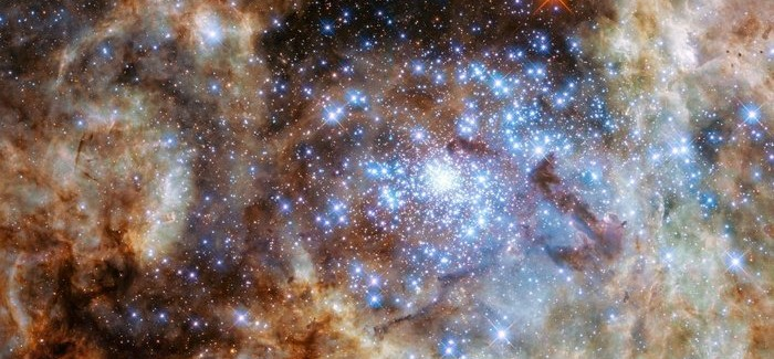 Nine Monster Stars In R136 Spotted By Hubble Telescope